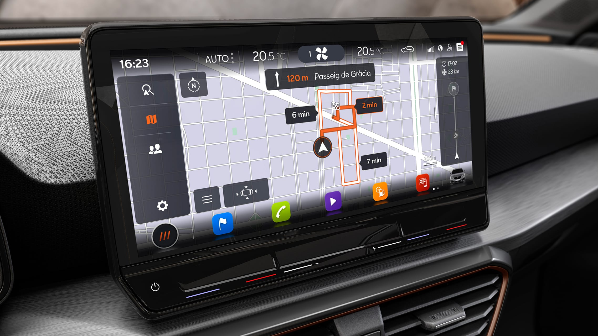 Real-time traffic GPS of the CUPRA Leon five doors ehybrid Compact Sports Car. Interior view